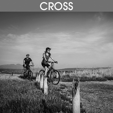 Cross grau